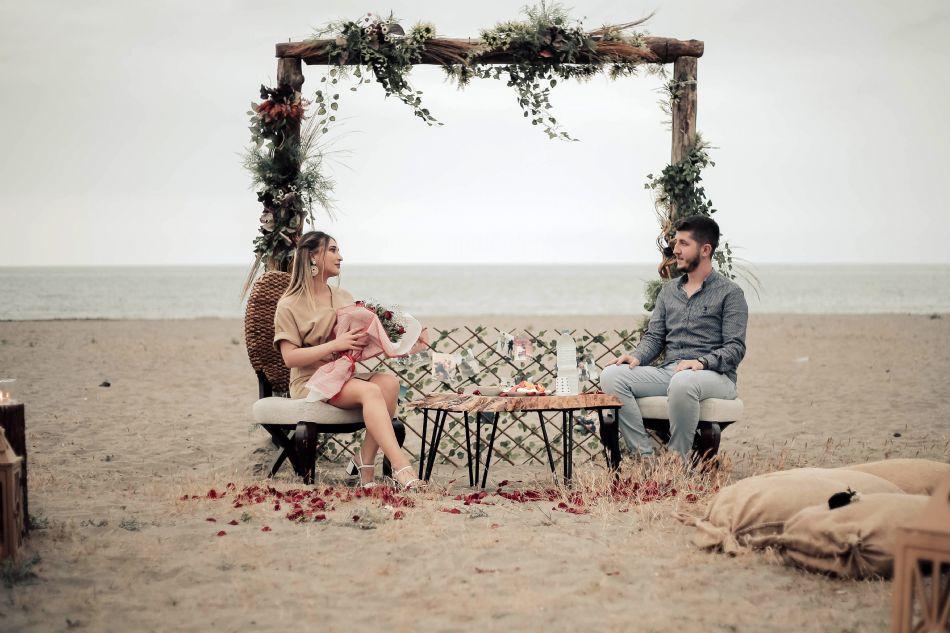 Evlilik Teklifi Kumsal Ahþap Konsept